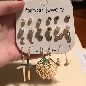 Pack of 12 earrings - never worn